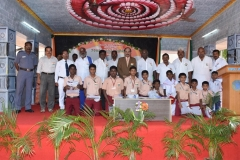 15.08.2016 70 TH INDEPENDENCE DAY CELEBRATION - CHIEF GUEST GIVING FREE UNIFROM TO THE STUDENTS