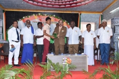 15.08.2016 70 TH INDEPENDENCE DAY CELEBRATION - CHIEF GUEST GIVING PRIZES TO THE WINNERS