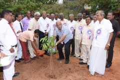 60TH ANNUAL DAY - 26.01.2017 - GUEST Mr. V.R. MUTHU, MANAGING DIRECTOR, IDAYAM GROUP OF COMPANIES PLANTING THE SAPLING