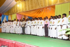 60TH HOSTEL DAY - 26.01.2017 - CHIEF GUEST Mr THAMU HONOURING THE TEACHERS