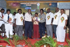 INTER SCHOOL SCIENCE EXHIBITION PRIZE DISTRIBUTION FUNCTION 22.10.2016 - ISRO, GENERAL MANAGER, CHIEF GUEST Mr. S. INGERSONL GIVING I PRIZE(9-10) TO MAVIMM HSS