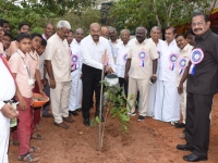 60TH ANNUAL DAY - 26.01.2017 - GUEST Mr. S. RATHINAVELU, SENIOR PRESIDENT, TAMILNADU CHAMBER OF COMMERCE, MADURAI PLANTING THE SAPLING