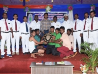 60th ANNUAL SPORTS DAY - CHIEF GUEST Mr. J. NAGARAJAN, INSPECTOR OF POLICE, SPECIAL BRANCH, MADURAI GIVING AWAY BEST IN GAMES