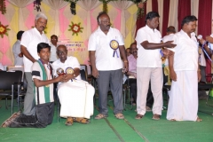 2-hostel-students-getting-prize-3