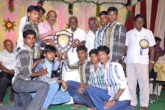 2-hostel-students-getting-prize-7