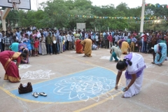 2-rangoli-competition-for-parents-during-hostel-day-24-11-2013