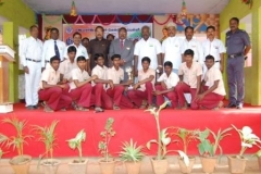 chief-guest-mr-k-k-senthilvelan-asst-solicitor-general-of-india-high-court-madurai-bench-with-the-losa-volley-ball-runner-players-on-15-08-2013