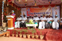 chief-guest-tmt-r-parameshwari-dip-addressing-the-57th-sports-day-gathering