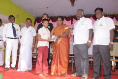 mrs-k-jayameenadevi-m-sc_-m-ed_-deo-madurai-giving-away-the-prizes-to-the-winners-on-the-eve-of-65th-republic-day-celebration