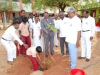 chief-guest-mr-k-k-senthilvelan-asst-solicitor-general-of-india-high-court-madurai-bench-planting-sapling-on-15-08-2013