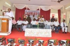 chiefguest-worshipful-mayor-mr-v-v-rajan-chellappa-addressing-the-gathering-laptop-cycle-distribution-function-24-07-2014
