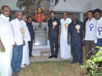 2-58th-annual-day-24-01-2015-s-g-jayarajnadar-statue-garlanded