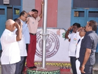 15.08.2015 DRO, Salem Mr S. Selvaraj saluting the national flag