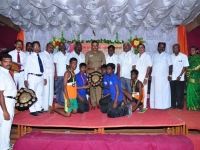 59 TH SPORTS DAY - 16.10.2015 PRIZE DISTRIBUTION FUNCTION - CHIEF GUEST MR. P. SUGUMAR, INSPECTOR OF POLICE, NAGAMALAI(H8) GIVIEN THE BEST IN GAMES SHIELD