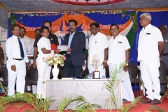 73RD INDEPENDENCE DAY -15.08.2019 - CHIEF GUEST Mr ISAC MOHANLAL  - GIVING PRIZES